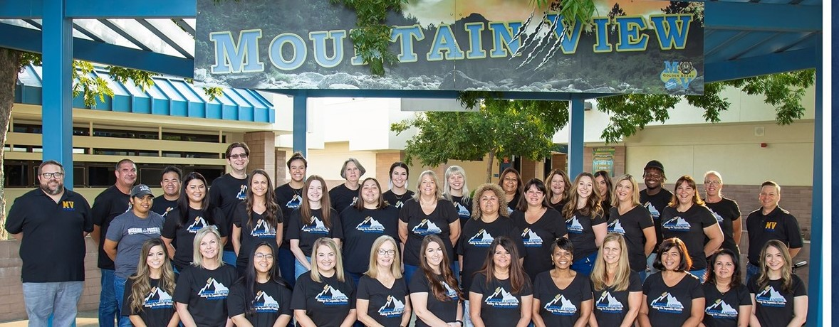 2021-2022 Staff Picture